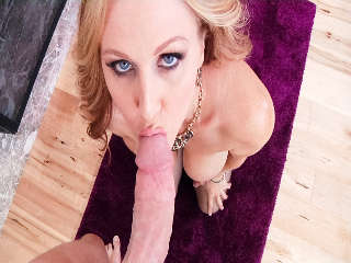 MILFs Saugen Mark Wood & Julia Ann